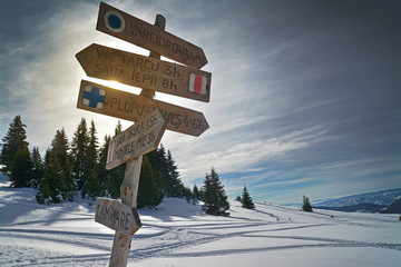 mountain indicator with directions