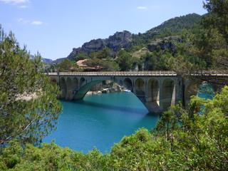 El embalse de Ulldecona,situado la Puebla de Benifasar (Castellón,España)  en las montañas de la Tenencia de Benifasar y los Puertos de Tortosa-Beceite