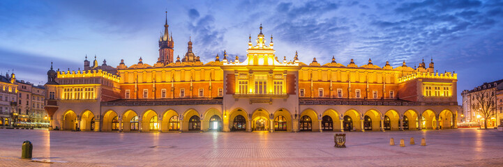 Foto auf AluDibond Krakau Panorama of Cloth Hall at Main Market Square in Cracow, Poland