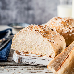 White Bread Buns with Rolled Oats