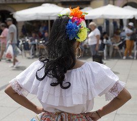 Rear view of a Colombian woman