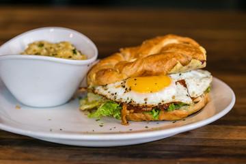 egg croissant breakfast sandwich