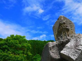 白馬村青鬼地区の道祖神。青鬼地区 白馬村 長野 日本。6月中旬。