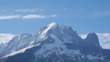 Montagnes eneigées