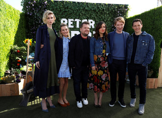 """Director of the movie Gluck and cast members Debicki, Robbie, Corden, Byrne and Gleeson pose during a photo call for """"Peter Rabbit"""" in West Hollywood"""