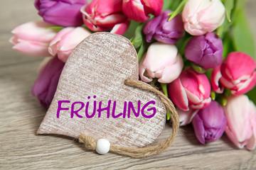 Tulpen und Herz: Frühling