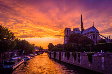 Stunning pink sunset over Paris
