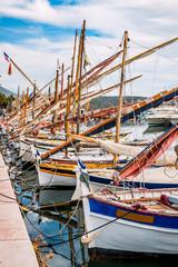 Bateaux de pêche dans le port de Bandol
