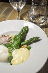 asparagus and garlic sauce