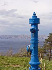 Blauer Hydrant in Kroatien