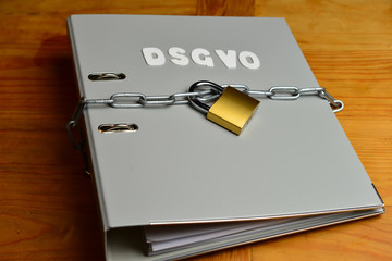 Datenschutz Sicherheit Kette mit Schloß Hefter Büro