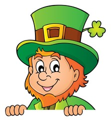 Lurking leprechaun topic image 1