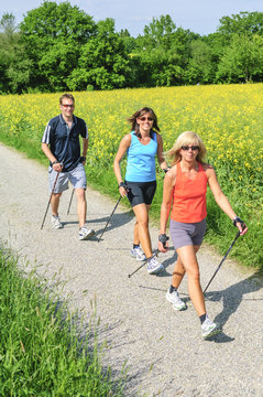 Nordic Walking in der Gruppe