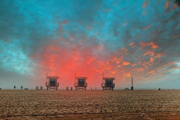 coucher de soleil sur les plages de Californie