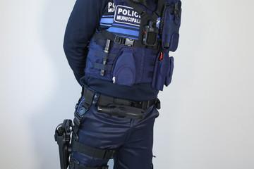 ARMEMENT POLICE MUNICIPALE