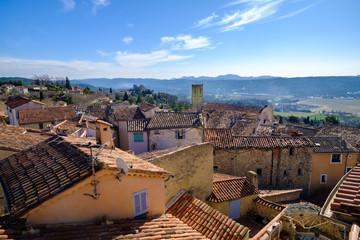 Vue panoramique sur le village de Fayence, Provence, sud de France.