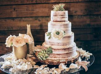 Rustic 4 layers wedding cake