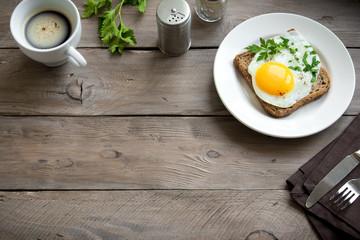 Keuken foto achterwand Gebakken Eieren Fried Egg on Toast for Breakfast