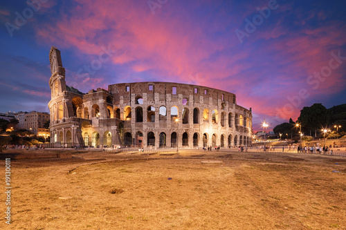 Wall mural Coliseum or Flavian Amphitheatre (Amphitheatrum Flavium or Colosseo), Rome, Italy.