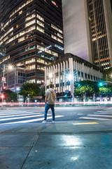 Jeune homme dans les rues de Los Angeles