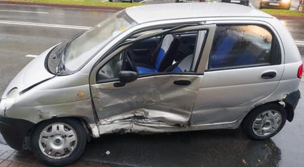 Crashed car in traffic