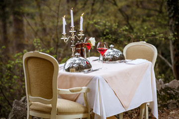 Open air served table by catering service company