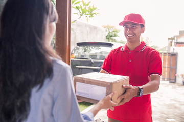 delivery man delivering box