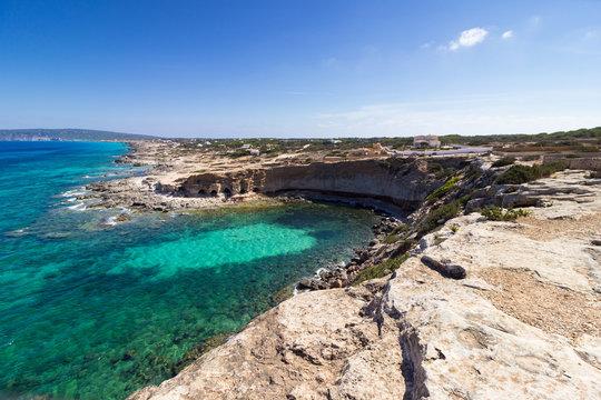 Formentera, les Baléares, cala en baster