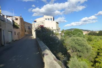 Alaró,localidad de Mallorca, en las Islas Baleares. Limita con los municipios de Consell, Binisalem, Lloseta, Mancor del Valle, Escorca, Buñola y Santa María del Camino