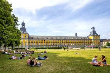 Universität Bonn, Hauptgebäude