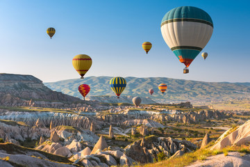 Foto auf AluDibond Ballon Hot air balloons flying over Cappadocia, Turkey