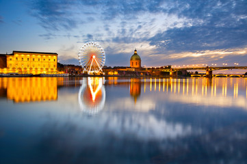 Fototapete - Landmark scene of Toulouse, France