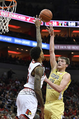 NCAA Basketball: Georgia Tech at Louisville