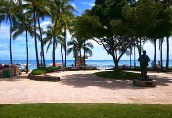 ハワイ オアフ島 ホノルル ワイキキ カラカウア通り ビーチ