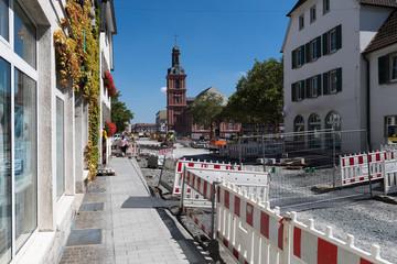 Straßenbau - Baustelle mit Absperrung