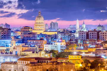 Photo sur Plexiglas Havana Havana, Cuba downtown skyline.