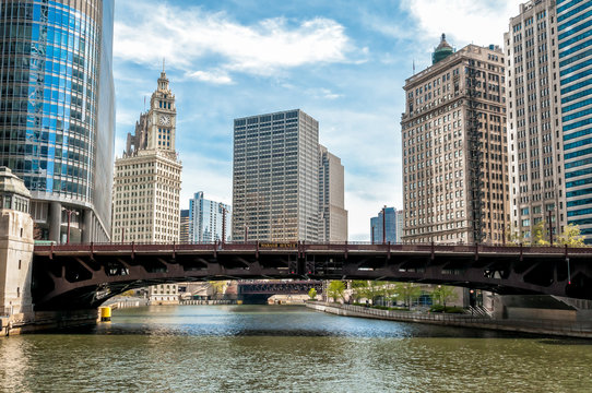 Cityscape with Wrigley Building and Wabash Avenue Bridge from Chicago river, Illinois, USA