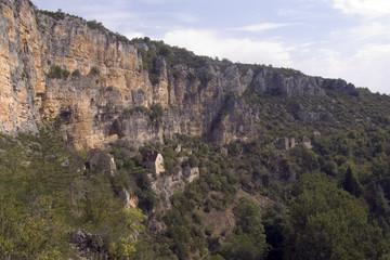Europe, France, Quercy, Lot, 46, Sauliac Sur Cele, old stone houses built on the cliffs above the village