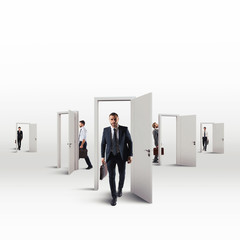 Orientate in choosing a working career between many choices