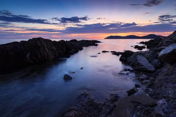 coucher de soleil sur la côte méditerranéenne