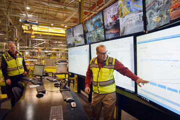 Dan Boone a manager at FordÕs Kentucky Truck Plant shows off the plantÕs data analytics center at FordÕs Kentucky Truck Plant in Louisville