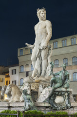 Wall Mural - The famous fountain of Neptune on Piazza della Signoria in Florence, Italy