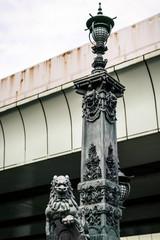 日本橋上の像