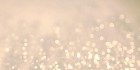 красивый фон с блестками и боке на белом фоне