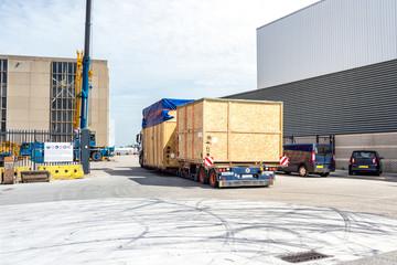 Lastwagen, Schwertransport, Hafen Rotterdam, Niederlande