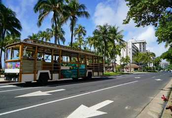 ハワイ ワイキキビーチとカラカウア通り