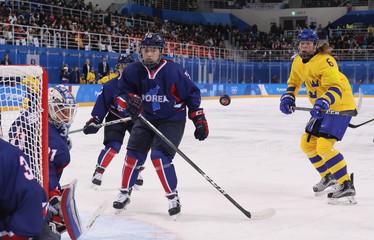 Olympics: Ice Hockey-Women Team Group B - SWE-KOR