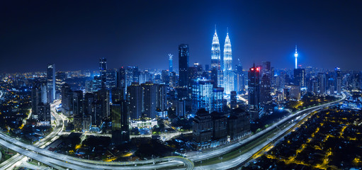 Fotobehang Kuala Lumpur Panorama aerial view in the middle of Kuala Lumpur cityscape skyline .Night scene .