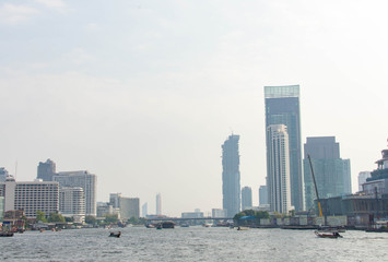 タイ・バンコク・チャオプラヤ川・ボート・街並み