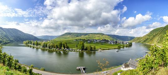 Moselschleife bei Beilstein mit Blick nach Ellenz-Poltersdorf